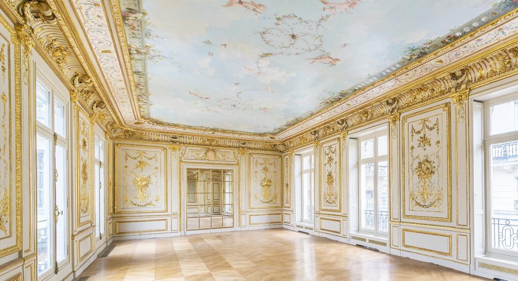 Hotel de Clermont 1er ministre France boiserie Louis XV Dorée